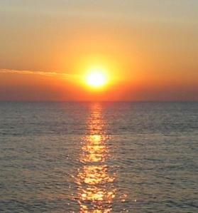 sunrise_over_the_sea1